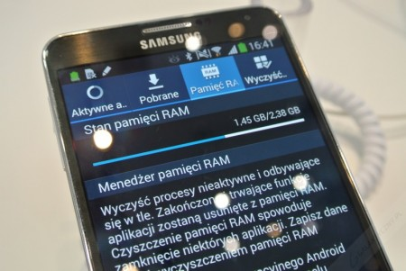 Samsung Galaxy Note 3 - pamięć RAM [źródło: galaktyczny]