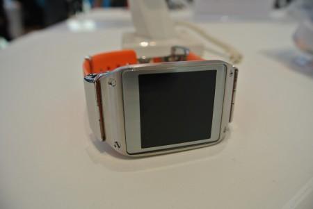 Samsung Galaxy Gear - ekran[źródło: galaktyczny.pl]