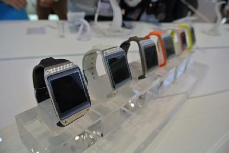 Samsung Galaxy Gear - kolory  [źródło: galaktyczny.pl]
