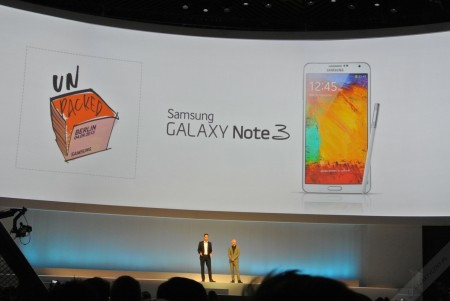 samsung-mobile-unpacked-2013-episode-2-14