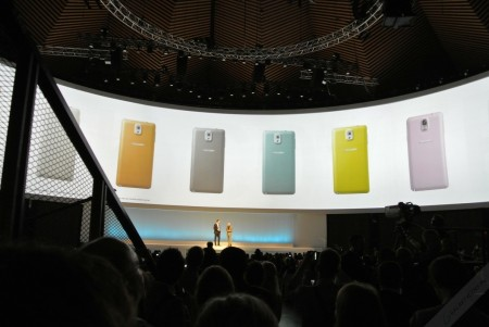samsung-mobile-unpacked-2013-episode-2-34