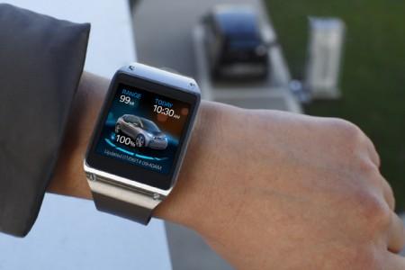 Galaxy Gear i BMW i3 [źródło: Samsung]
