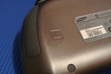 Samsung GamePad EI-GP20 - NFC [źródło: galaktyczny.pl]