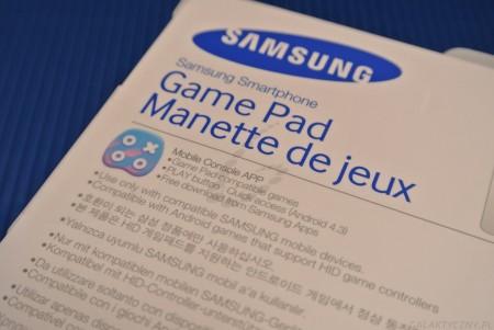 Samsung GamePad EI-GP20 - Mobile Console [źródło: galaktyczny.pl]
