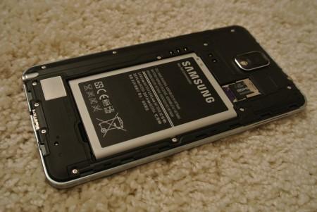 Samsung Galaxy Note 3 - Bateria  [źródło: galaktyczny.pl]