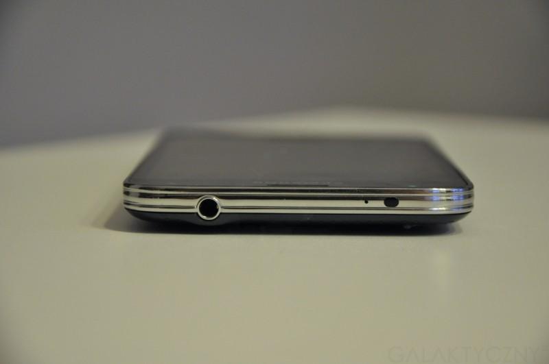 Samsung Galaxy S 5 - port mini jack, mikrofon i dioda IR / fot. galaktyczny