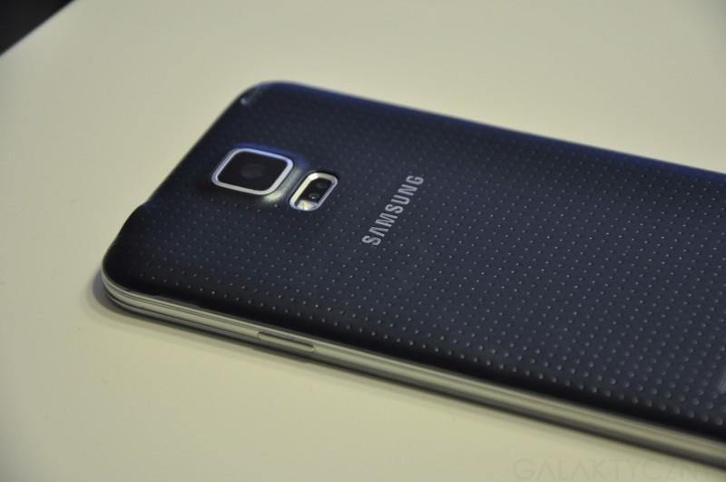 Samsung Galaxy S 5 - tył / fot. galaktyczny