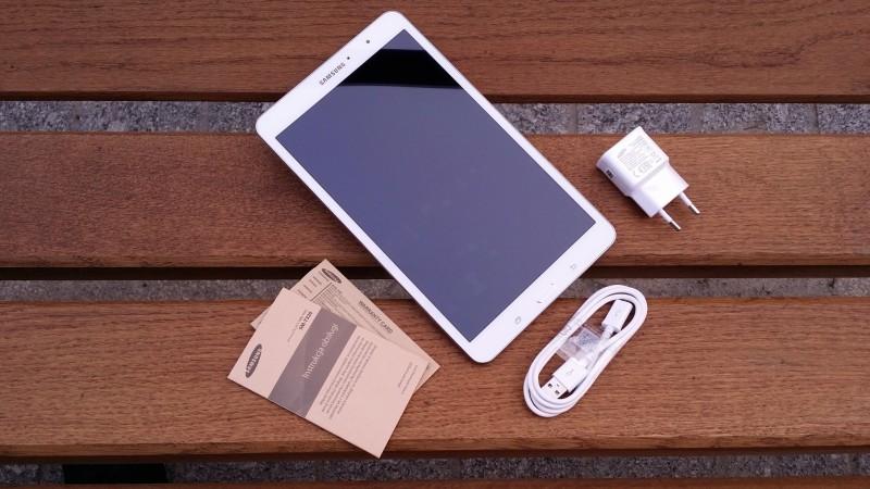 Samsung Galaxy Tab PRO 8.4 - zawartość zestawu / fot. galaktyczny.pl