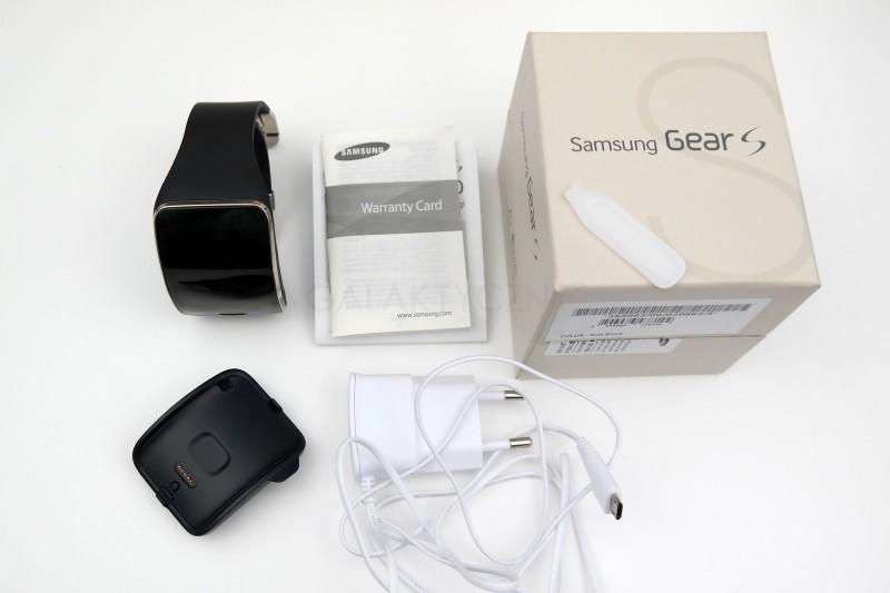 Samsung Gear S - zawartość zestawu