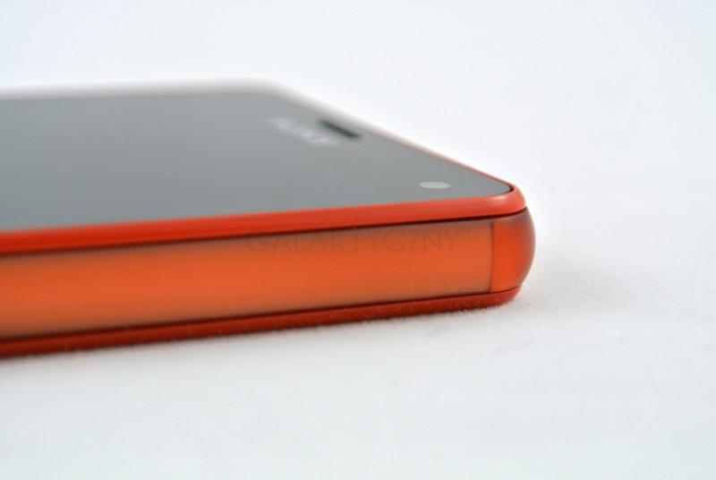 Sony Xperia Z3 Compact - ramka / fot. galaktyczny.pl