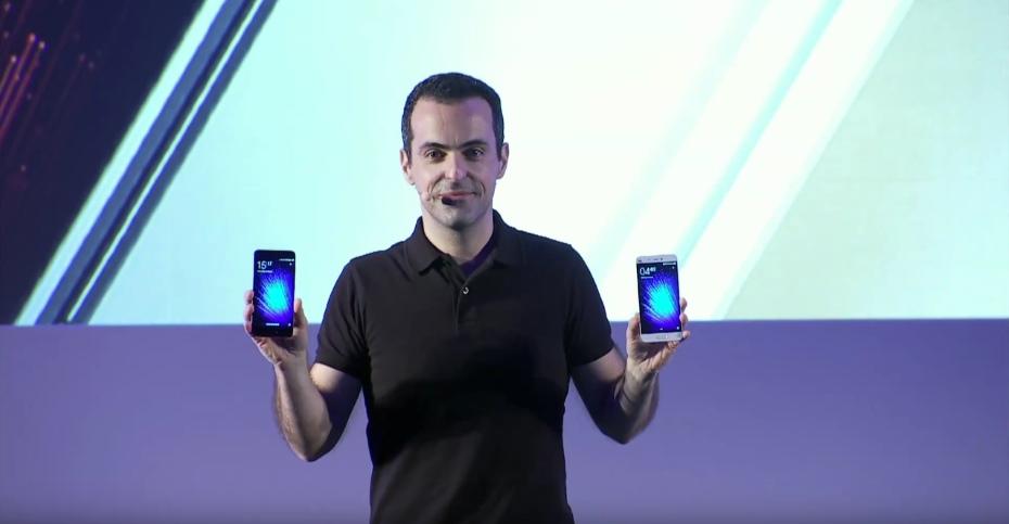 Hugo Barra z Xiaomi Mi 5 / fot. Xiaomi (YouTube)