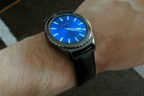 samsung-gear-s2-classic-po-pol-roku