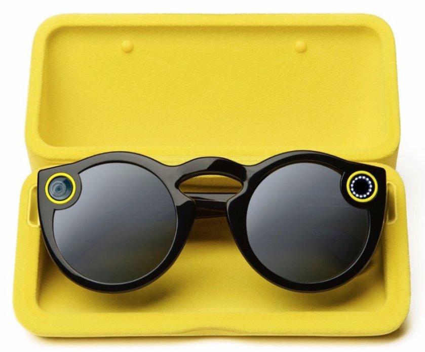 Okulary Spectacles. Po prawej stronie znajduje się obiektyw do robienia zdjęć, a po lewej do kręcenia filmów. / fot. PhoneArena