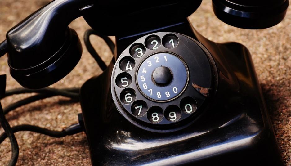 moje-telefony-stary-telefon