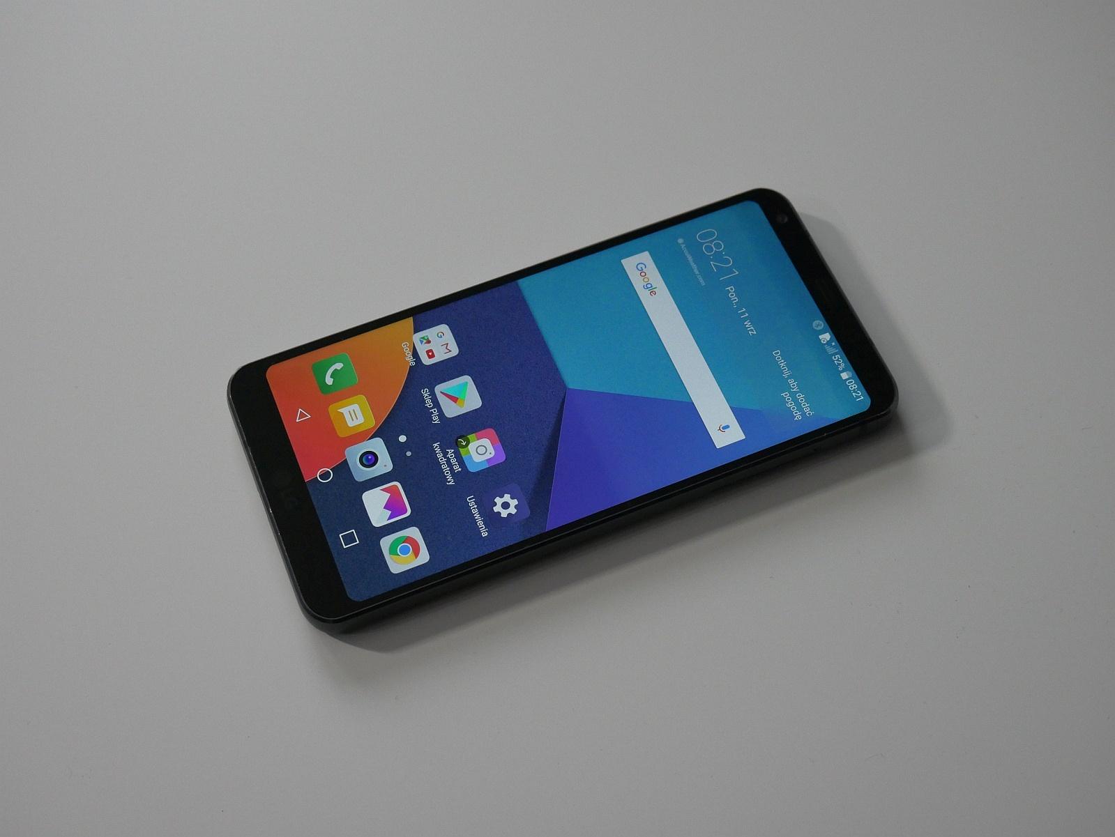 LG G6 z przodu