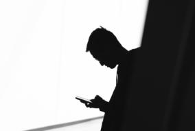 sms-telefon-black-white
