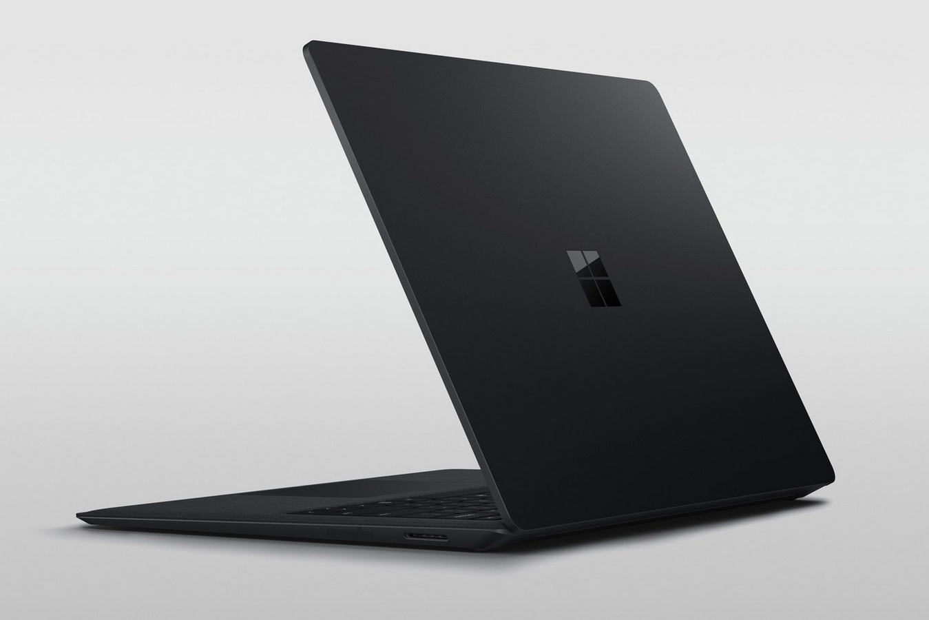 Microsoft Surface Laptop 2 / fot. Microsoft