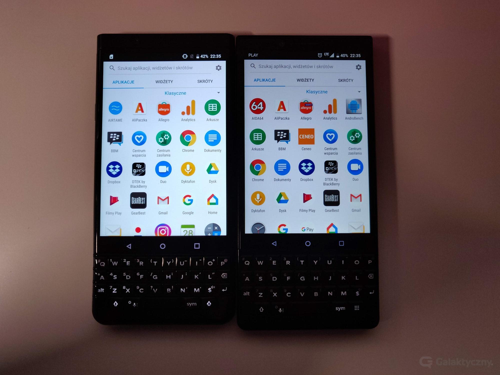 BlackBerry KEYone po lewej, KEY2 po prawej