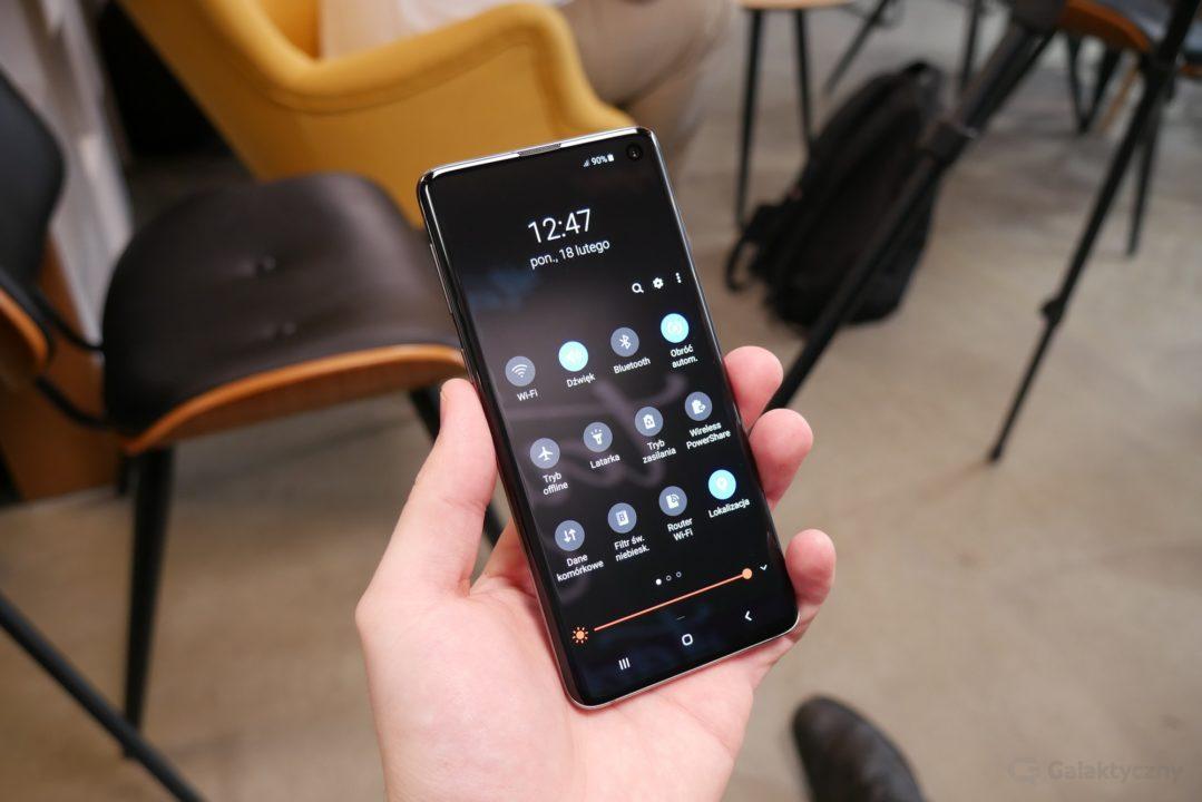 Samsung Galaxy S10 - tryb ciemny