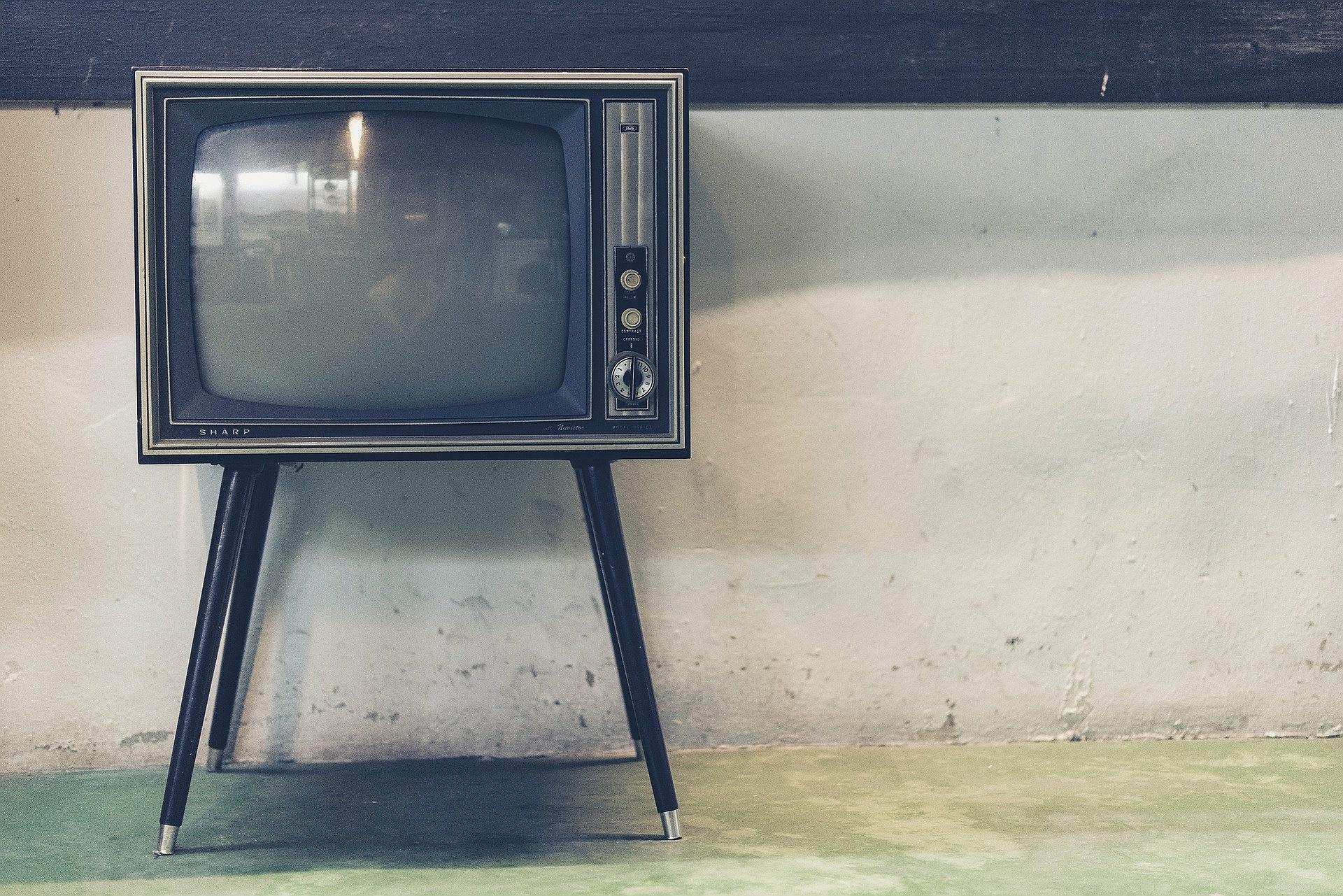 Stary telewizor Sharp