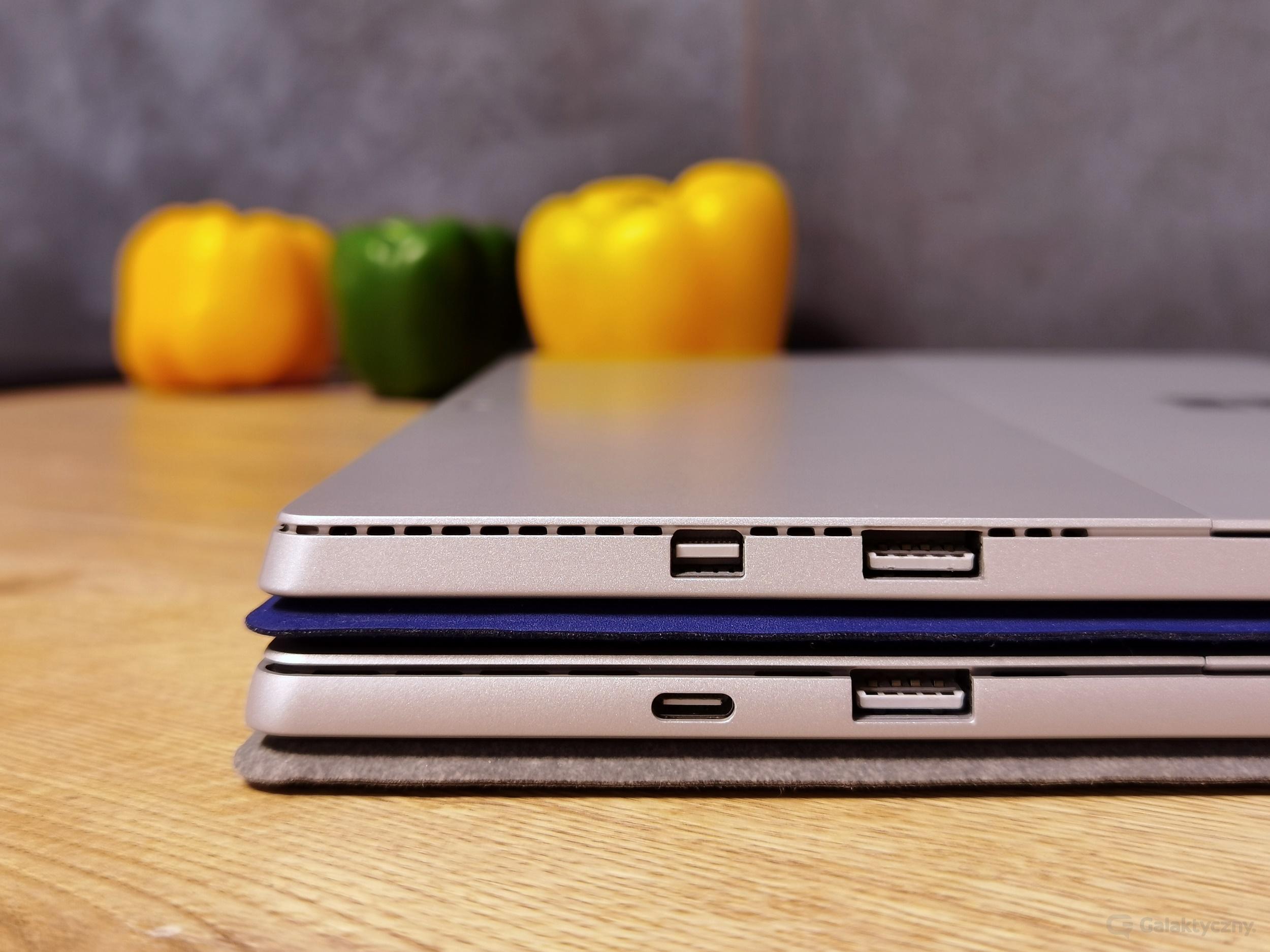 Surface Pro 4 (na górze), Surface Pro 7 (na dole)